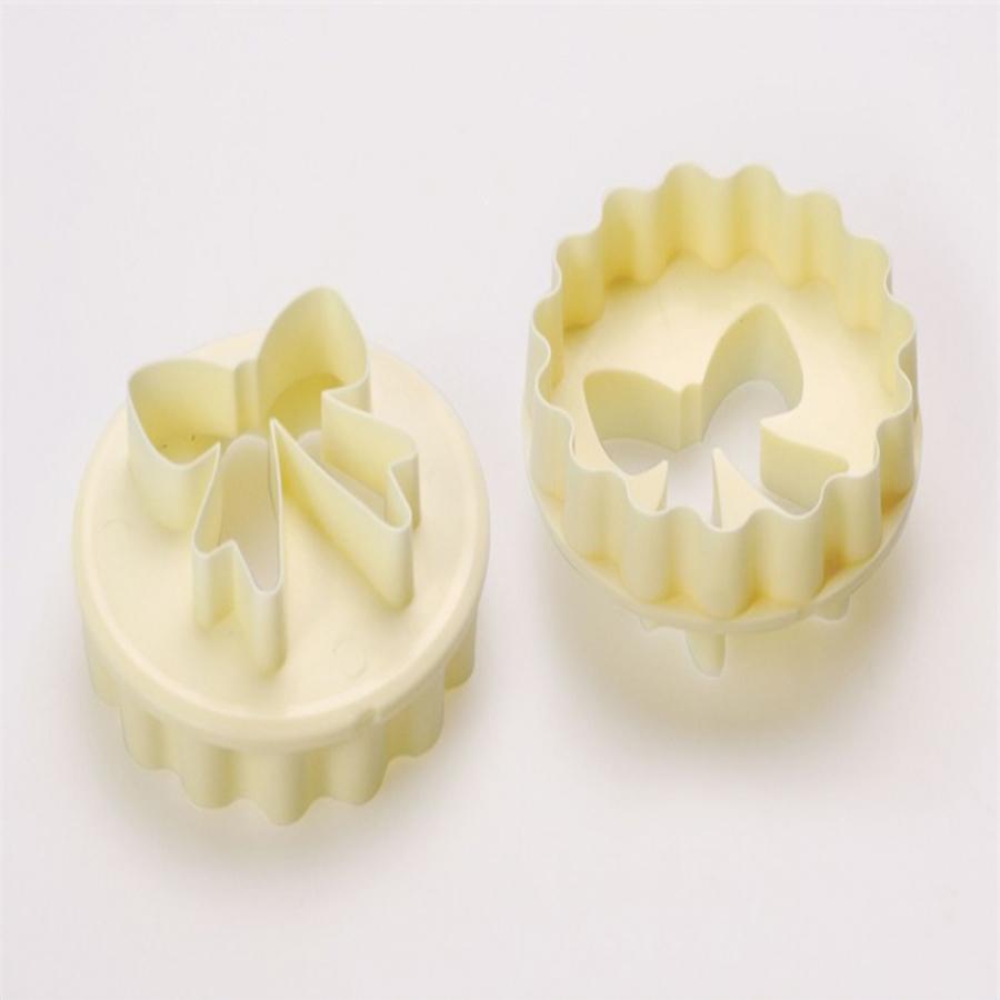 FMM Bow/Scallop Cupcake Cutter